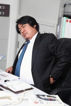 腰痛マッサージ,腰痛い,ツボとストレッチについての画像